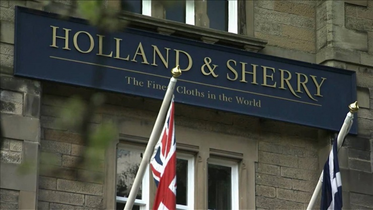Holland & Sherry: Fine Fabrics of The Grand British Tradition